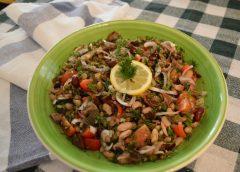 Σαλάτα με όσπρια, ελιές και ντοματίνια ( Βήμα – βήμα )